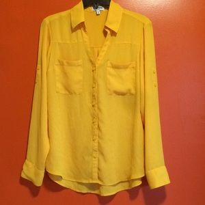NWOT Yellow Button Up Pocket Blouse